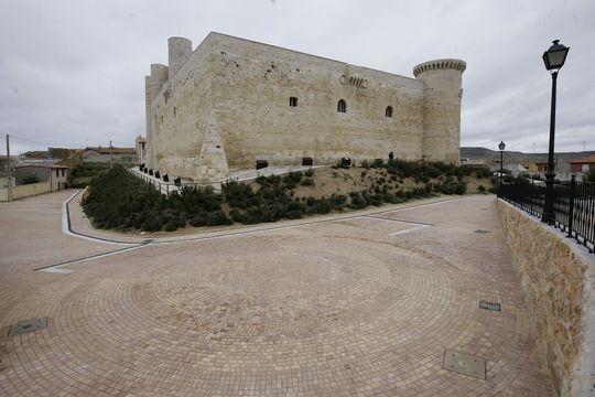 Castillo de Fuentes de Valdepero